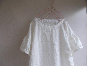 刺繍コットンパフ袖ブラウスの画像