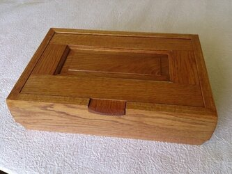 楢の木のオープンコレクションボックスの画像