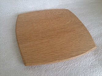 木の温もりがあたたかい楢の木のパン皿 の画像