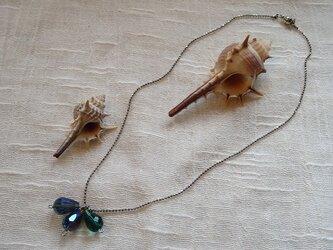 ブルーグラスのしずくカットのネックレス(送料無料)の画像