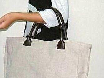 麻のトートバッグの画像