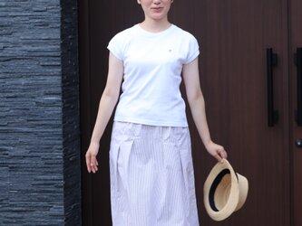 サッカーストライプ タックギャザースカート(白×ベージュストライプ)の画像