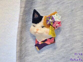 つまみ細工×羊毛ブローチ 三毛猫とキキョウの秋の画像