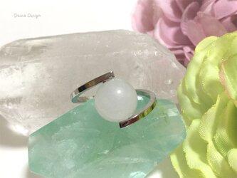 ホワイト ジェイド 指輪 5月誕生石 レア 大粒 天然石 一粒 リング ☆ ダイナデザイン ☆ シルバー カラー 9号の画像