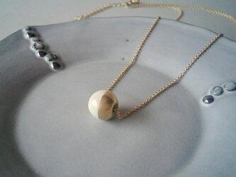 とうきの○ネックレス(白と金)の画像