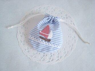 かわいいピンクのヨットのミニ巾着の画像