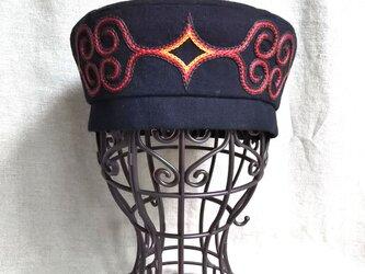 アイヌ刺繍入りベレー帽(黒)サイズ57㎝の画像