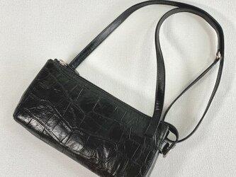 型押し革のお財布ショルダーポーチ(クロ)の画像