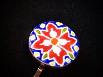 鮮やかな花のポニーフック スペインタイルの画像