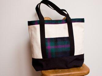キャンバス生地とタータンチェックのトートバッグ【深緑とピンク】の画像