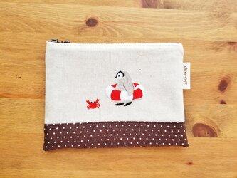 【夏季限定販売 8/31まで】こどもペンギンの夏ポーチ(通せんぼ)の画像