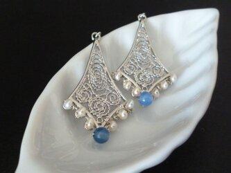 フィグリー細工のピアス - blue silver (イヤリング変更可)の画像