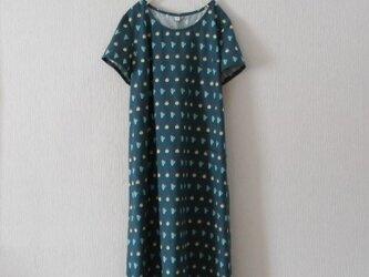 綿麻の半袖ワンピース ブルーグリーンの画像
