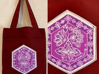 手描き手染めバティックポケットのミニトートバッグ〜インドネシアのブーケ柄ろうけつ染〜の画像