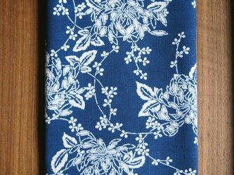 天然藍の型染め手拭い  萩の葉と菊 の画像