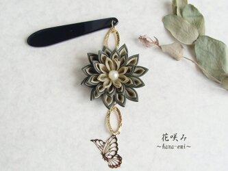 つまみ細工 花と蝶の帯飾り 緑の画像