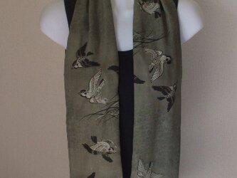 アンティーク男性用長襦袢から雀が飛ぶストール 絹の画像