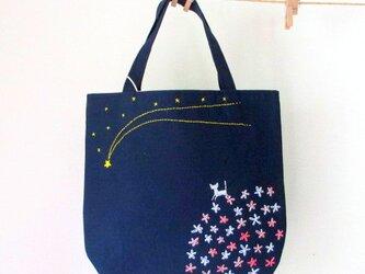銀色猫と流れ星*手提げバッグ ピンクの画像