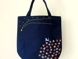 銀色猫と流れ星*手提げバッグ オレンジの画像