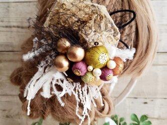 アンティーク風ヘッドドレス チュールと絹糸ボール髪飾り No592の画像