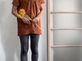 秋色先取り 綿シルクのビッグシルエットブラウス オレンジの画像