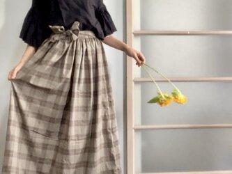 秋色先取り 綿シルクのギャザースカート カーキの画像