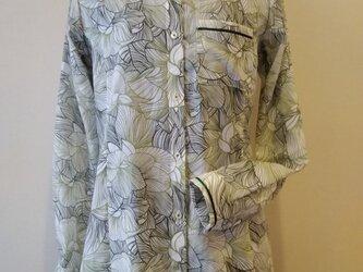 秋のシャツの画像