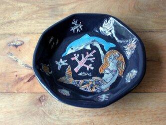 人魚とイルカの器の画像