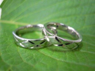 ハンドメイド結婚指輪☆格子模様・格子柄の画像