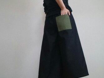 ワイドパンツ漆黒カーキ色ポケットウエストゴムの画像