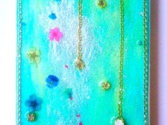 個性的なグリーンとカラフルな花のIPHONE5/5sケースの画像