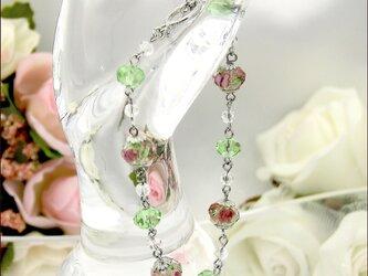 薔薇のカットガラスのブレスレット【カットガラスビーズ ブレスレット】 《ビーズアクセサリー》の画像