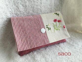 花刺繍のポーチ・レッドの画像