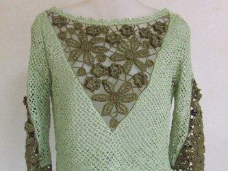 アイリッシュレースのセーターの画像