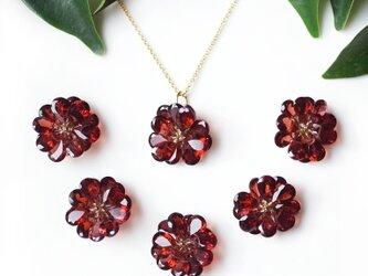 ガーネットの花びらによるダリアの45cmネックレス ~Dahliaの画像