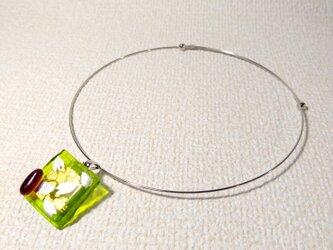 ガラス細工のネックレス ー 桜餅 ーの画像