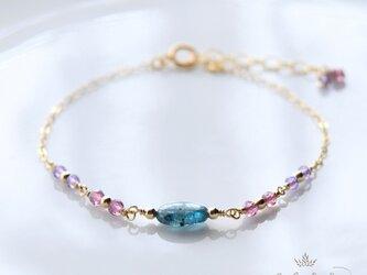 kyanite & tiny stone braceletの画像