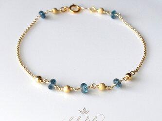 星のささやき「静寂の青」~deep blue kyaniteのブレスレットの画像