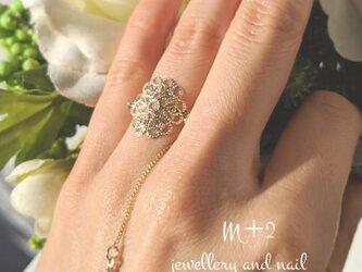 送料無料◆調整できる指輪☆リング 透かし フラワー フリーサイズ ゴールド の画像