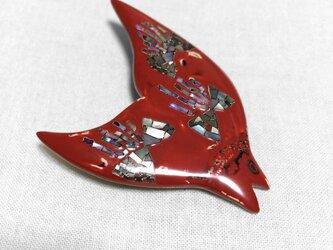 漆ブローチ「鳥と花」の画像