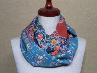 着物リメイク 上品な古典花模様が素敵な小紋着物から作ったお洒落なスヌードの画像