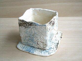 植木鉢 リーフ青白の画像