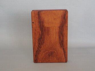 木のカードケースの画像