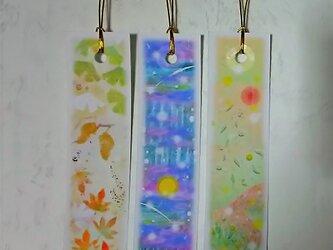 秋の3種の栞(しおり)  紅葉、十五夜、夕焼け空のイラスト パステルアートのブックマークの画像