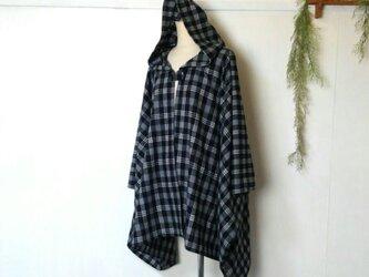 柔らか 黒チェック ポンチョ ~ コート ジャケット ケープの画像
