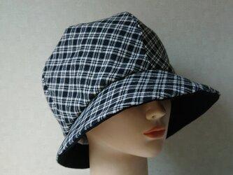 魅せる帽子☆3シーズン被れる!ふんわり♪モノトーンチェックのリバーシブルクロッシュの画像