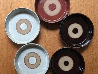 三本足の平鉢の画像