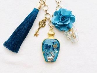 香水瓶バッグチャーム(青の花園)の画像