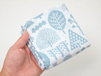手刷り生地のハンカチ・お弁当包み「森」ブルーの画像