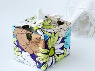リバーシブルキューブティッシュ・容器付き(USA生地花柄×USA生地抹茶小花)の画像